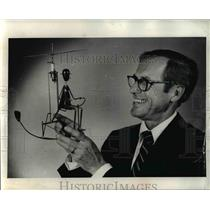 1974 Press Photo Richard A. Shearer Oldest Pilot Model Helicopter - ora79029