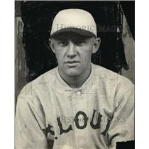 1922 Press Photo Clarence Mueller of St Louis Cardinals - net03879