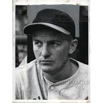 1942 Press Photo Lloyd Moore minor league baseball player - net02815