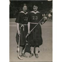 1923 Press Photo Two players for 1923 Mills College women's field hockey team