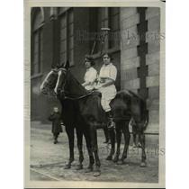 1923 Press Photo Captain Lillian Rickert, Flora Elderton of Philadelphia polo