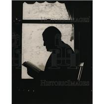 1920 Press Photo AM Palmer reads a book - nef01201