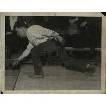 1922 Press Photo Jimmy Blouin world champion bowler in Chicago vs Jim Smith
