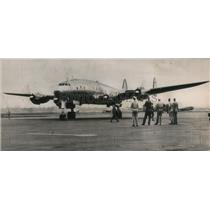 1945 Press Photo C-69 Constellation of Army Air Transport Command set a record.