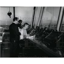 1968 Press Photo Spokane Int'l Airport controllers David Stamerjohan, C.R. Hall