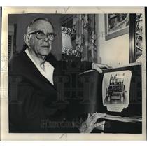 1963 Press Photo Meet Dale B Sigler, sole survivor of the original Naval Air