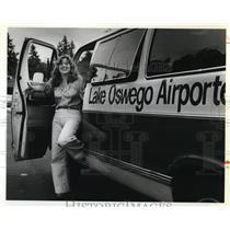 1979 Press Photo Lisa perry Lake Oswego airport shuttle - ora66678