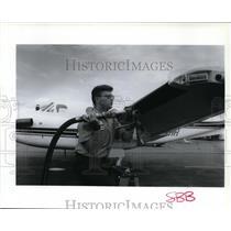 1993 Press Photo Matthew Wade Fuels Jet at Felts Field - spa21851