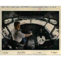 1997 Press Photo Montel Work Pilot At Work - ora98862