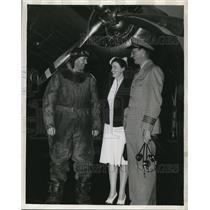Press Photo Capt. Hershel V. Loughlin, Stew Vera Smith and Capt. Al Smith