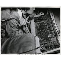 1958 Press Photo Powers lying in pod of KC-135, operating boom arm to refuel jet