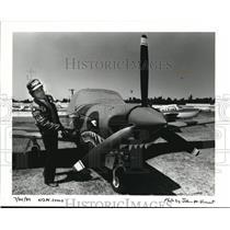 1989 Press Photo George Greene Of Portland Has His Piper Comanche Painted