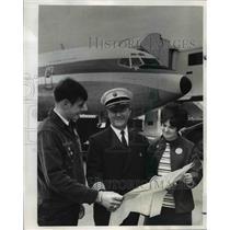 1969 Press Photo Rudie Luscher & Vicki Wolfenbarger, Capt. Frank Metlick