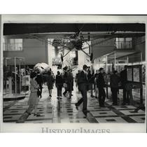 Press Photo Spirit of St Louis hangs in Smithsonian Institution - spa14042