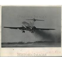 1969 Press Photo Milwaukee's airline traffic increase if use as connecting point