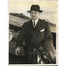 1957 Press Photo Marcos Zar Visits USA To Inspect Aviation In Washington