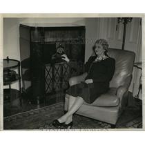 1943 Press Photo Mrs. Walter Goodland - mja16209