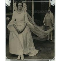 1927 Press Photo Miss Jane Stratton made a regal Queen of the May - mja14966