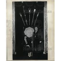 1921 Press Photo New York Alderman Edwin Thompson wearing Civic Regalia NYC.