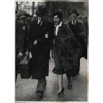 1935 Press Photo Mrs. Gordon Switz freed in Paris for her trial for Espionage