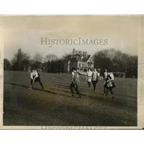 1926 Press Photo Merion Cricket Club girls at field hockey game - net13626