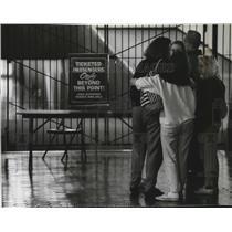 1991 Press Photo Security at Spokane International Airport Tightened - spa28238