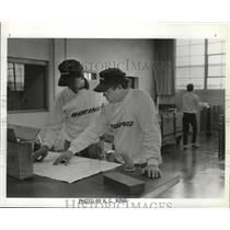 1990 Press Photo Boeing Training Sup Richard A Lengyel & Mgr Dean E Cooper