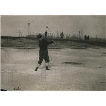 1923 Press Photo A golfer on the beach at Sunnyside in Canada - net11796