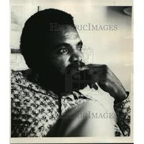 1974 Press Photo Calvin Hill -- Reflections and revelations - orc15041