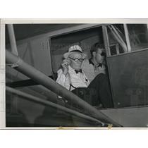 1939 Press Photo David Knapp, civil war veteran on his first plane ride