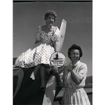 1959 Press Photo Gini Richardson & Delores Hall Taylor in Powder Puff derby