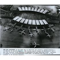 1982 Press Photo Terminal 2 of Charles de Gaulle Airport - spa21792