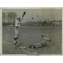 1930 Press Photo Tmple University vs Fordham's Jack Laborne at baseball