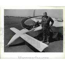 1986 Press Photo Ed Roman and John Koch Airplane Pilot Long EZ Airplanes