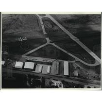 1981 Press Photo Aerial view of the Waukesha Airport - mja25697
