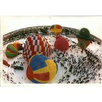 1994 Press Photo Balloons in various stages of lift off-Hot Air Affair in Hudson