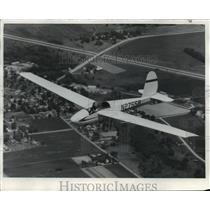 Press Photo Sailplane providing some relaxing bird's eye view images
