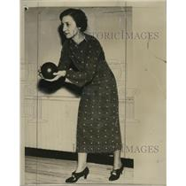 1934 Press Photo Mrs. Gardner Dalton regular players at Wisconsin Club bowling