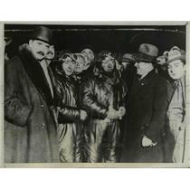 1932 Press Photo Aviators Codos, Robina and Costes greeted by Louis Breguet