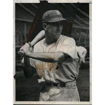 1937 Press Photo New York Giants home run hitter Dick Bartell - net02614
