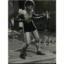 1922 Press Photo Boxer Ritche shown in a fighting pose - net05086