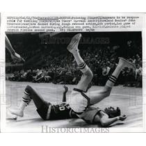 1970 Press Photo 76ers Darrall Imhoff vs Sonics John Tresvant in Boston