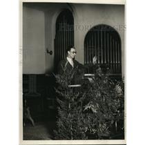 1930 Press Photo Danny MacFaydon Boston Red Sox pitcher delivers sermon