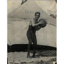 1921 Press Photo Boxer Johnny Kilbane works out with a medicine ball - net07528