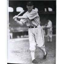 1931 Press Photo Sox baseball player Li Blue at batting practice - net08776