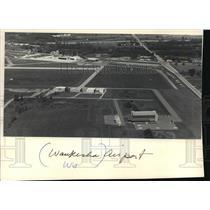 1986 Press Photo Waukesha, Wisconsin Airport - mja24595