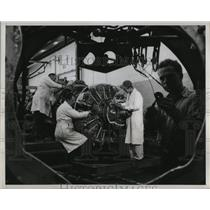 1948 Press Photo Airplane Engines Overhauled at McArthur Airfield, Long Island