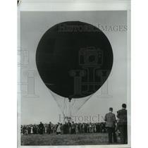 1950 Press Photo Royal Aeronautical Society Balloon, Maidenhead, England