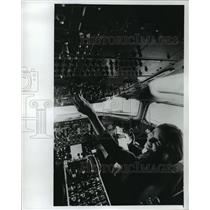 1978 Press Photo Barbara Wiley at controls of a commercial jet - mja31891