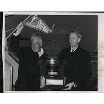 1967 Press Photo Gov Knowles w/ Green Bay Mayor Don Tileman- Super Bowl Champs